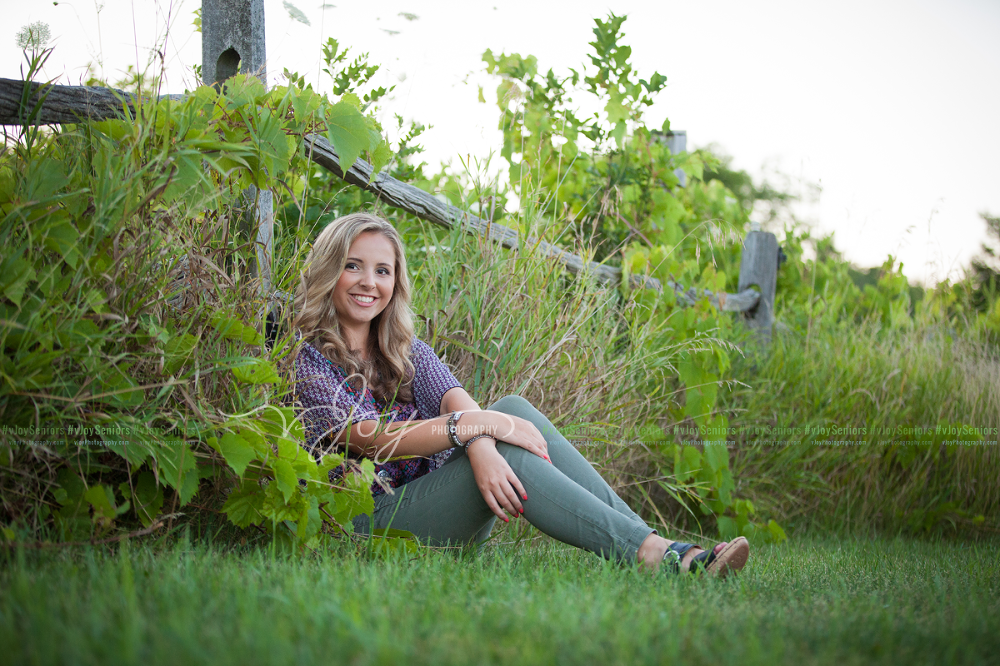 2015.08.11-McKenna-L-High-School-Senior-Portrait-Photographer-Racine-WI-7555.2