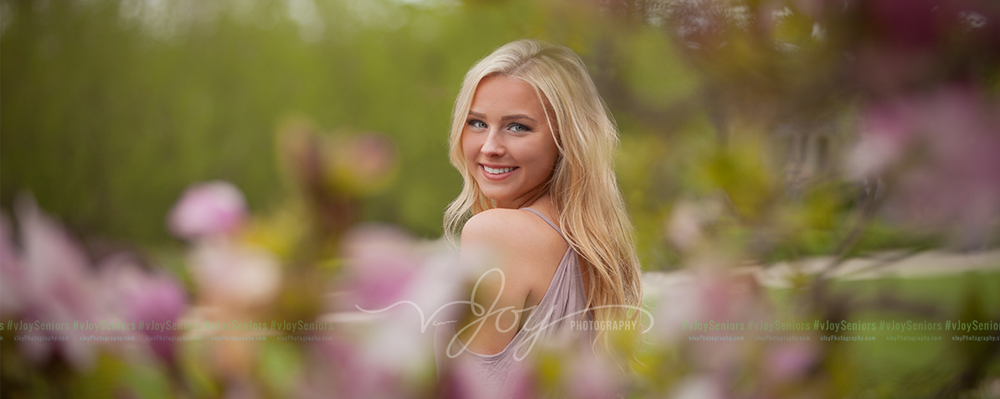 High-School-Senior-Girl-Flowers